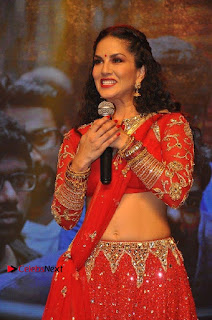 Bollywood Actress Model Sunny Leone Dance Performance in Red Half Saree at Rogue Audio Launch 13 March 2017  0107.jpg