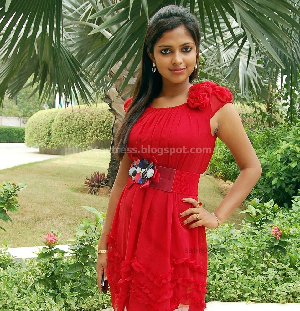 Amala paul hot photo shoot gallery