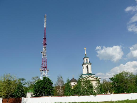 Херсон. Собор святой Екатерины 1786 г. Телевышка 2005 г.