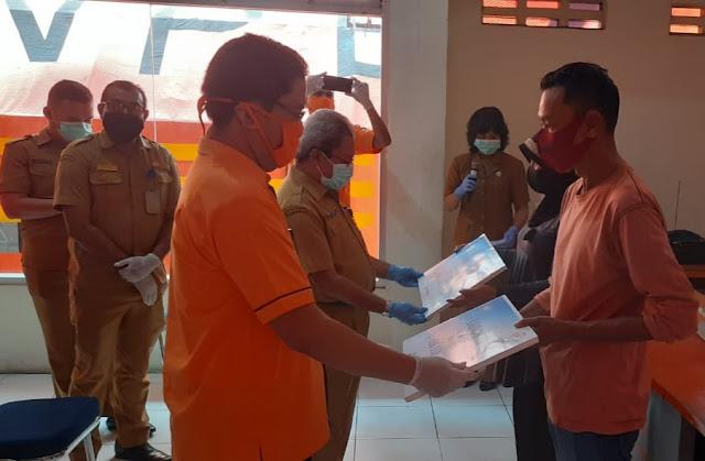 Anthonius Latuheru Ungkap Pemkot Salurkan BST ke Warga Ambon Secara Door To Door