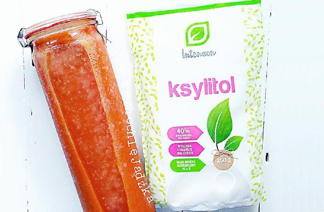 http://zielonekoktajle.blogspot.com/2016/09/dynia-truskawki-banan-ksylitol.html