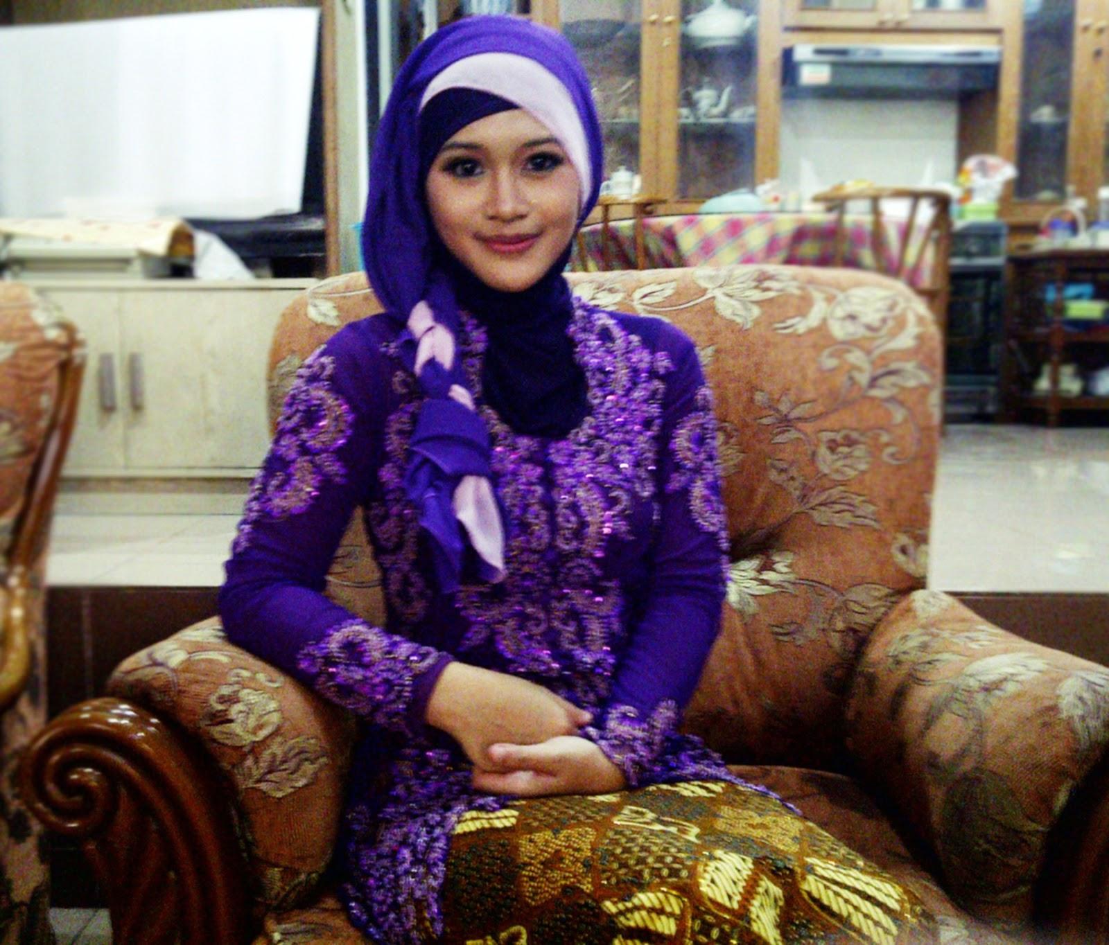 Jilbab Untuk Baju Batik: Pintar Pakai Jilbab: Cara Memakai Jilbab Kepang Untuk Kebaya