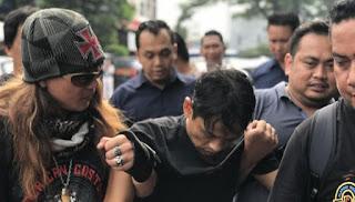 Pelaku Pembunuhan Kampung Rambutan Dihadiahi Timah Panas