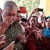 """'Biar Dia Menangis, Jangan Kita Menangis"""" - Pesanan Sultan Johor Kepada Ibu Bapa"""