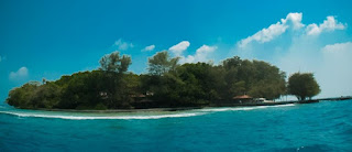 http://www.teluklove.com/2017/04/destinasti-objek-wisata-pulau-lipan-di.html