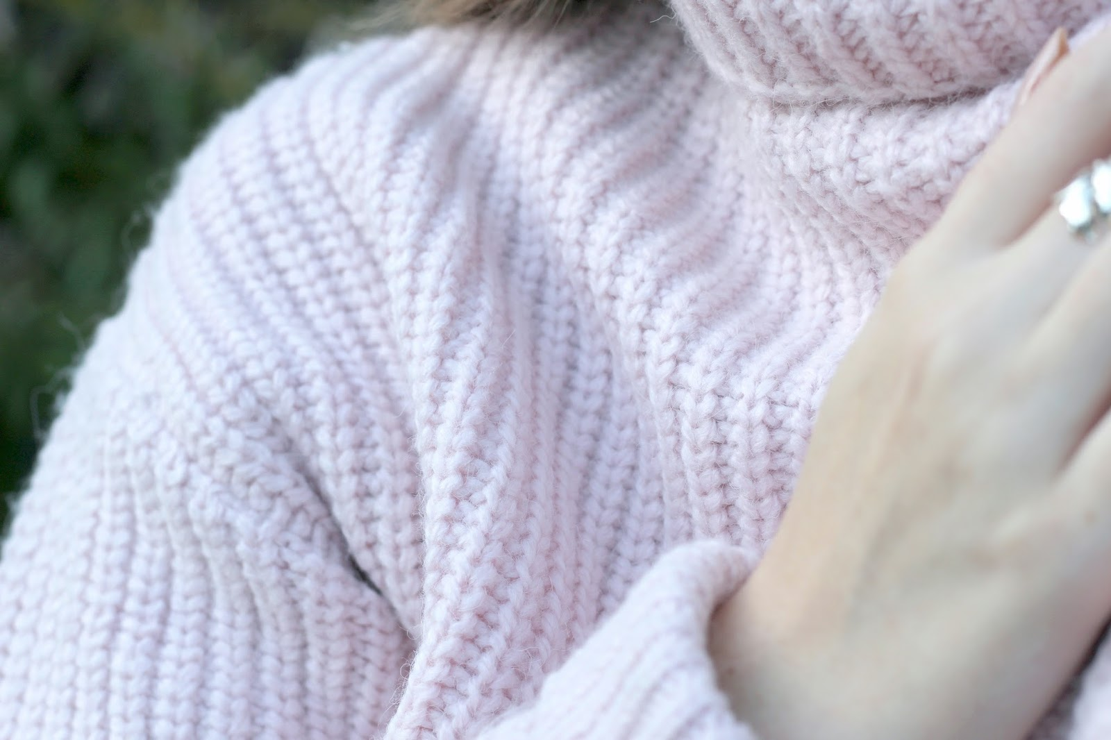 Close up chunky knit pink jumper by GAP
