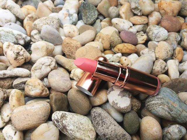 Makeup Revolution London Rose Gold Lipstick odtieň LUST