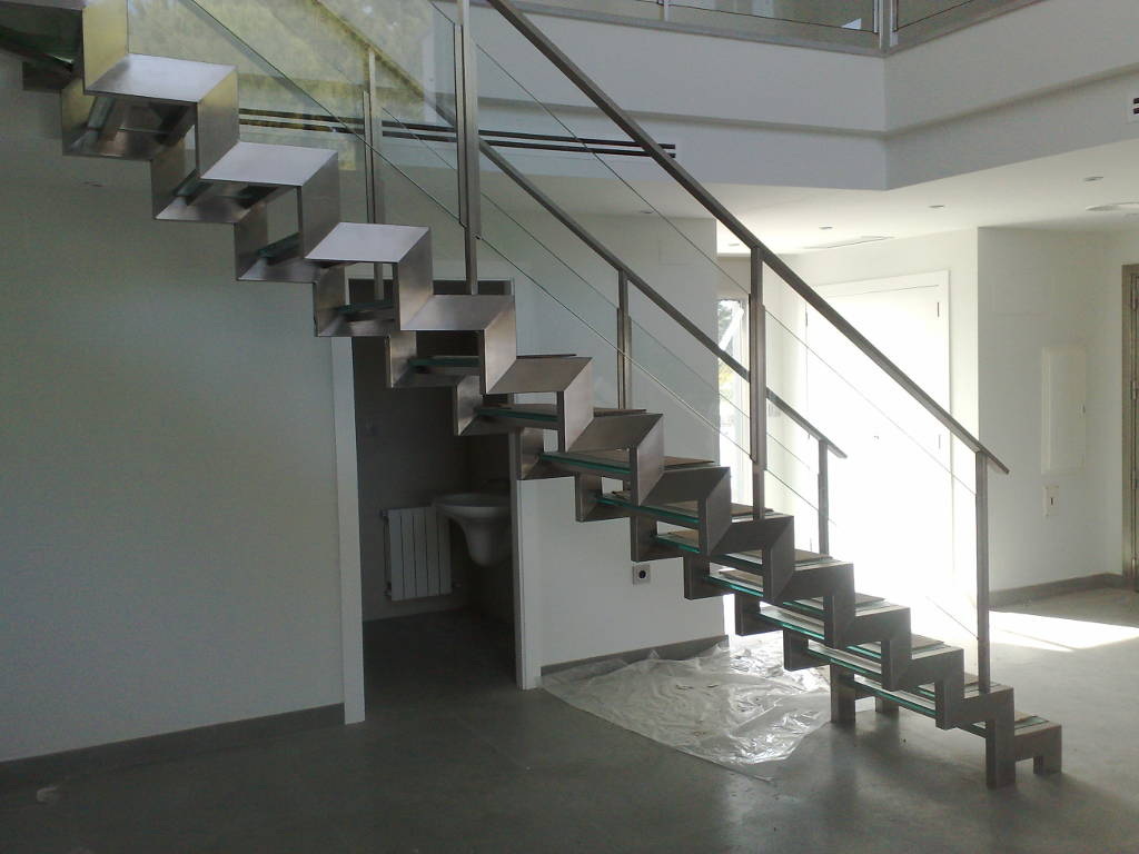 Escaleras en acero inoxidables y acero estructural - Estructuras de acero para casas ...