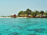Menikmati Liburan di Pulau Samalona