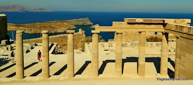 Propileu da Acrópole de Lindos, na Grécia