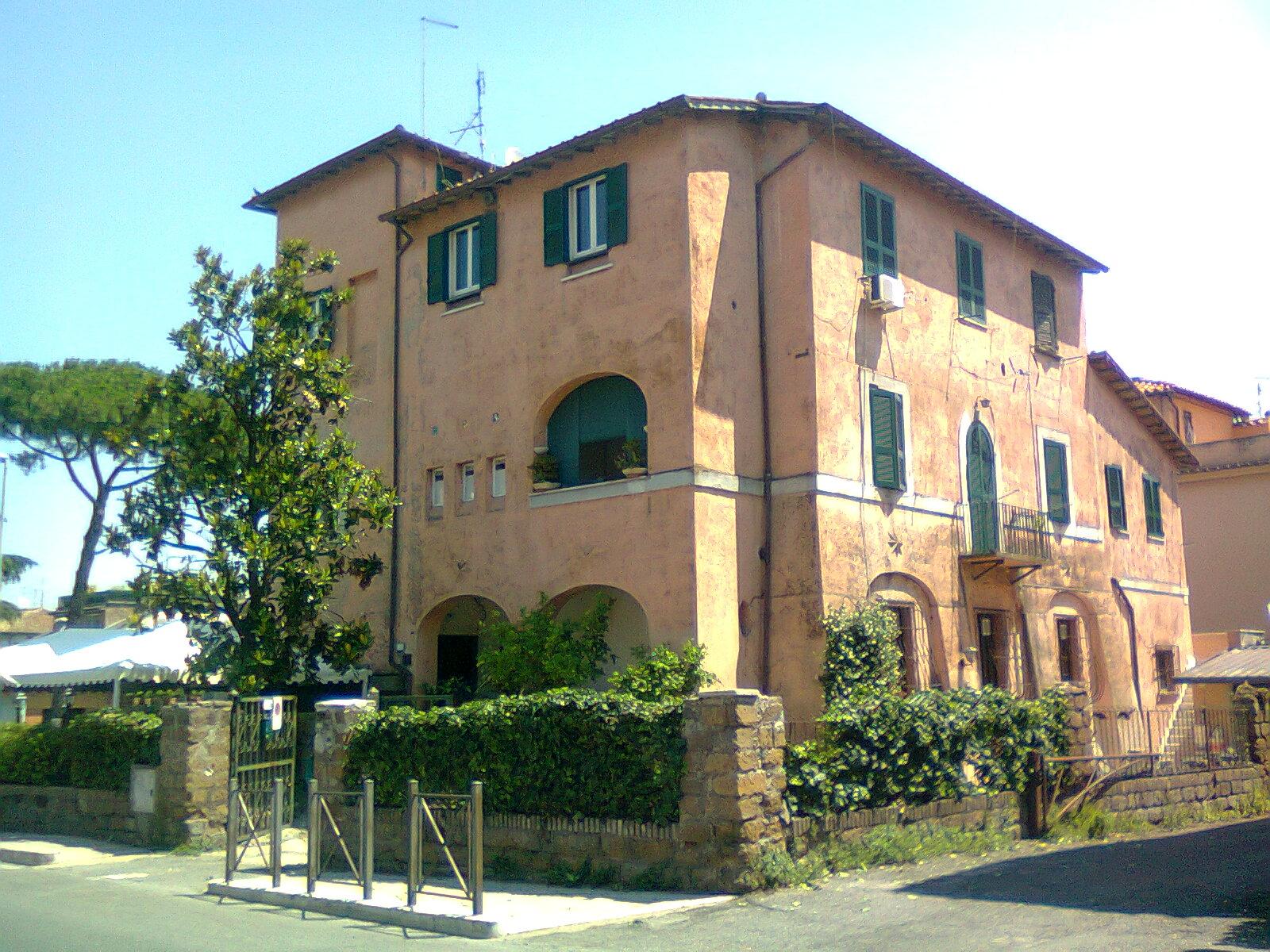 In bici per Roma Le sorprese della via Appia Nuova
