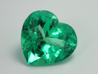 How to take care of your loose emerald stone