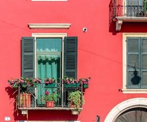 20 ideas imprescindibles para decorar tu pequeño balcón
