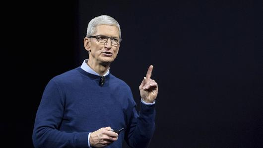 Apple CEO Cook Applauds March For Our Lives Movement