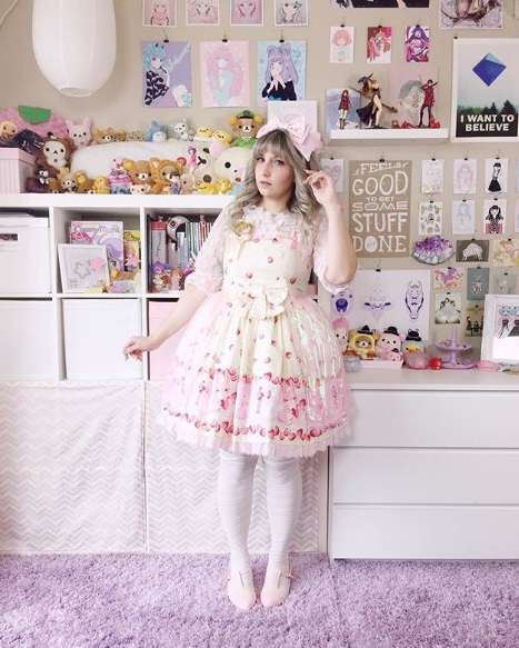 kawaii fashion cute outfits pink skirt thigh high socks pastel hair pretty clothes jfashion fashion blogger blog lolita dress bububun