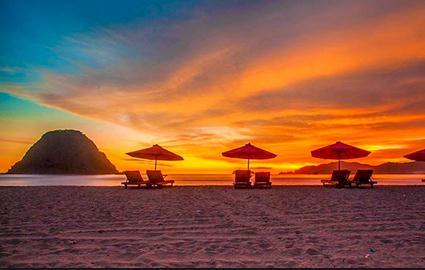 Tempat wisata pulau merah banyuwangi