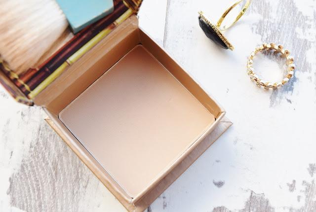 Benefit Cosmetics Hoola Lite review
