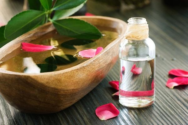 فوائد ماء وزيت الورد