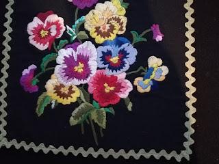DIY fleece cushion cover with embroidery Craftrebella