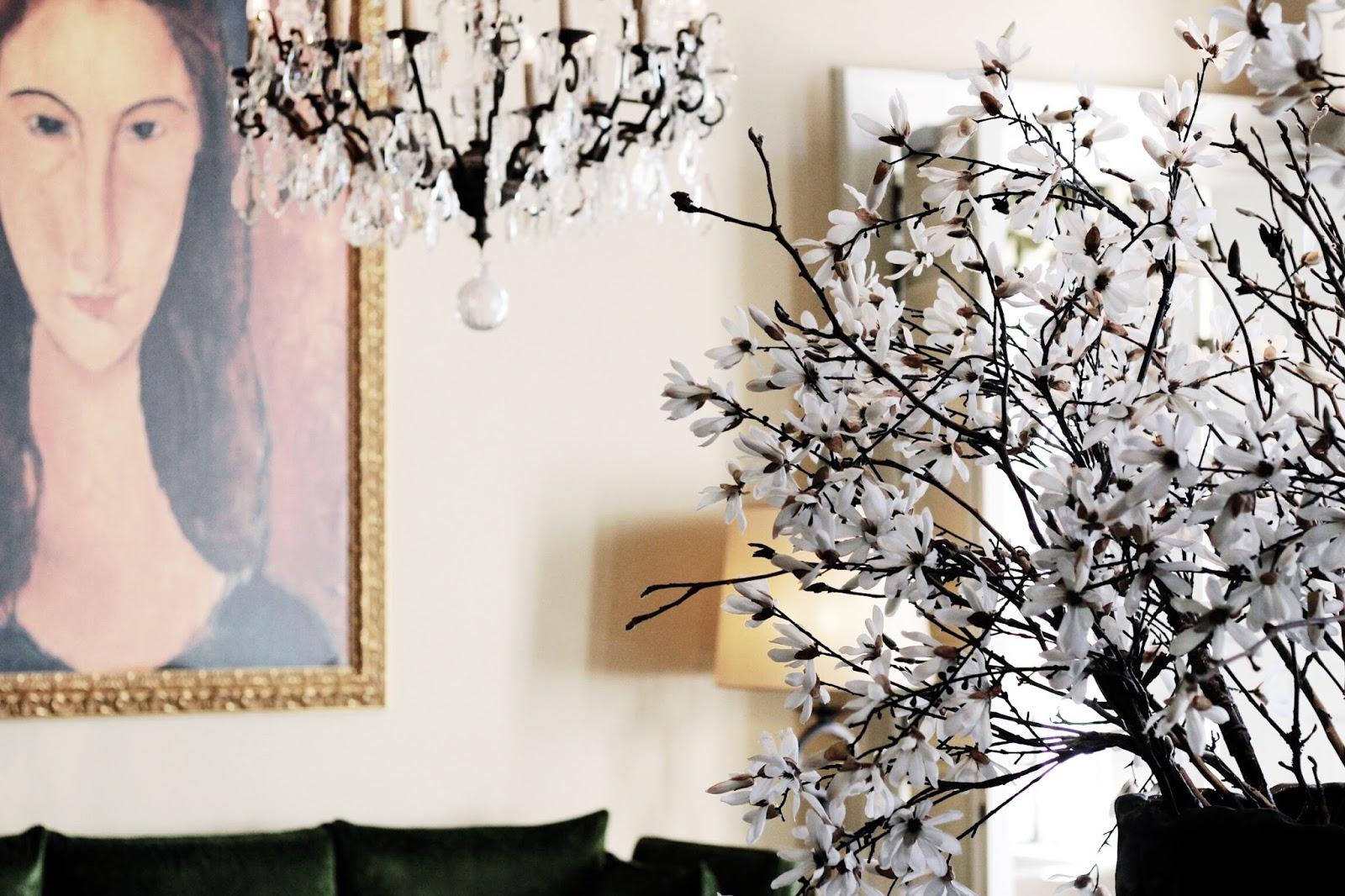 Hotel Dukes' Palace Bruges Interior Design Flowers