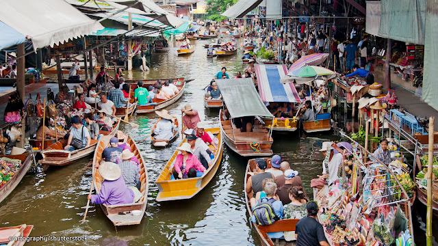 Ayothaya Floating Market: have an afternoon of fun