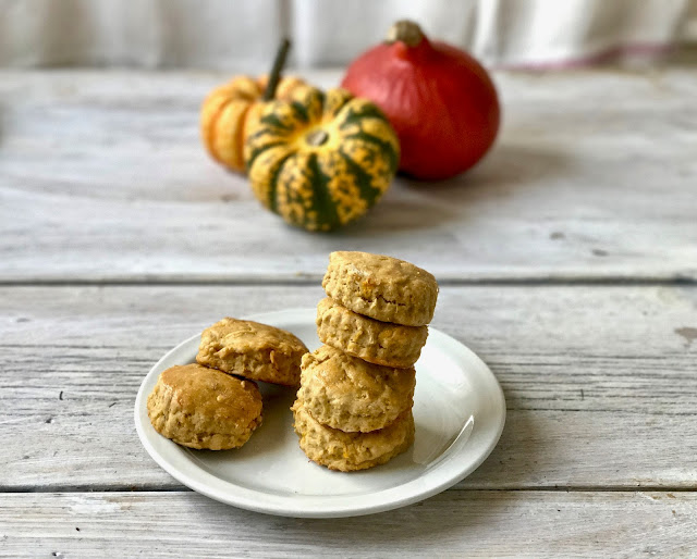 pumpkin cinnamon buttermilk 'biscuits'