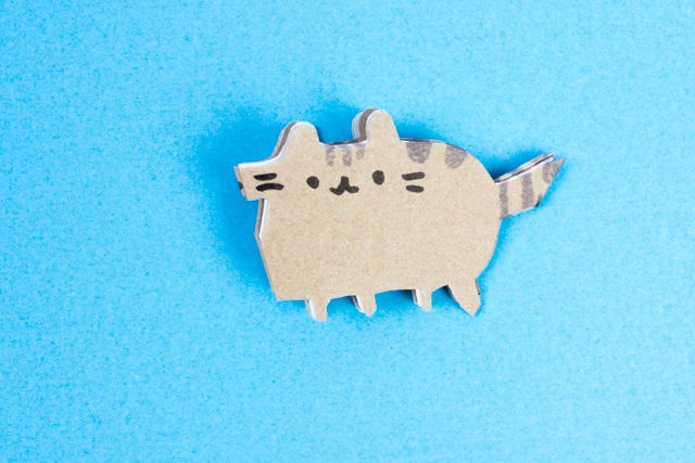 how to cut super adorable pusheen snowflakes