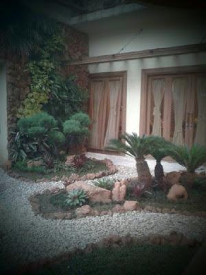 taman belakang