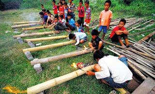 Permainan Meriam Bambu