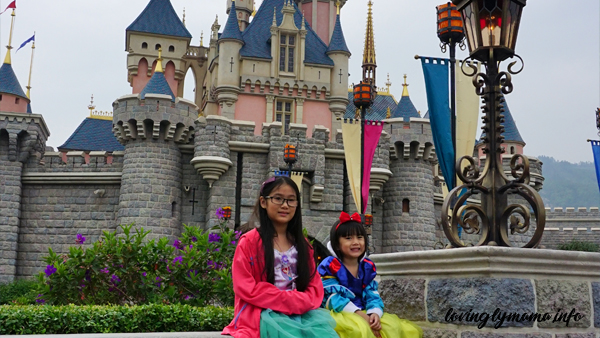 Sleeping Beauty's castle Hong Kong Disneyland magic