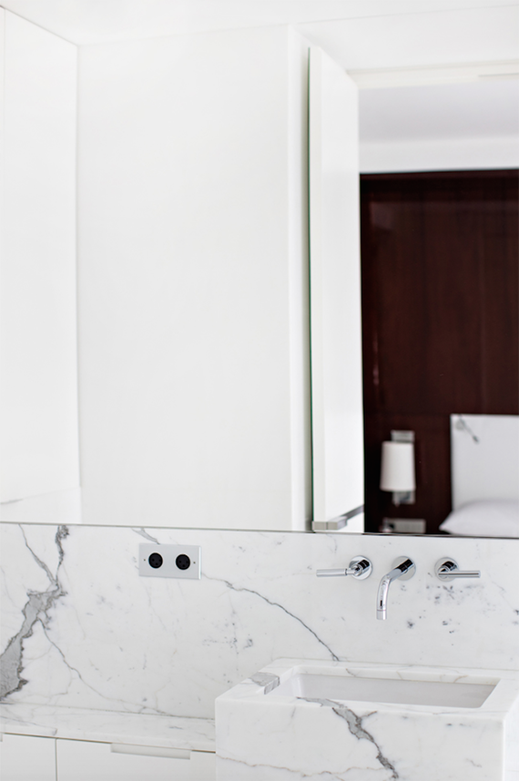 Marble bathroom | Design by Frederic Berthier. Photo by Benoit Linero