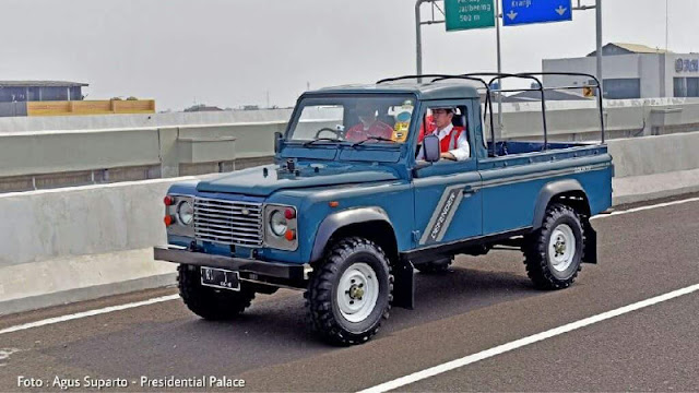 Land Rover Defender country single cab pickup Jokowi