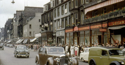 70 Amazing Color Snaps That Capture Street Scenes of Edinburgh, Scotland in the Early 1960s
