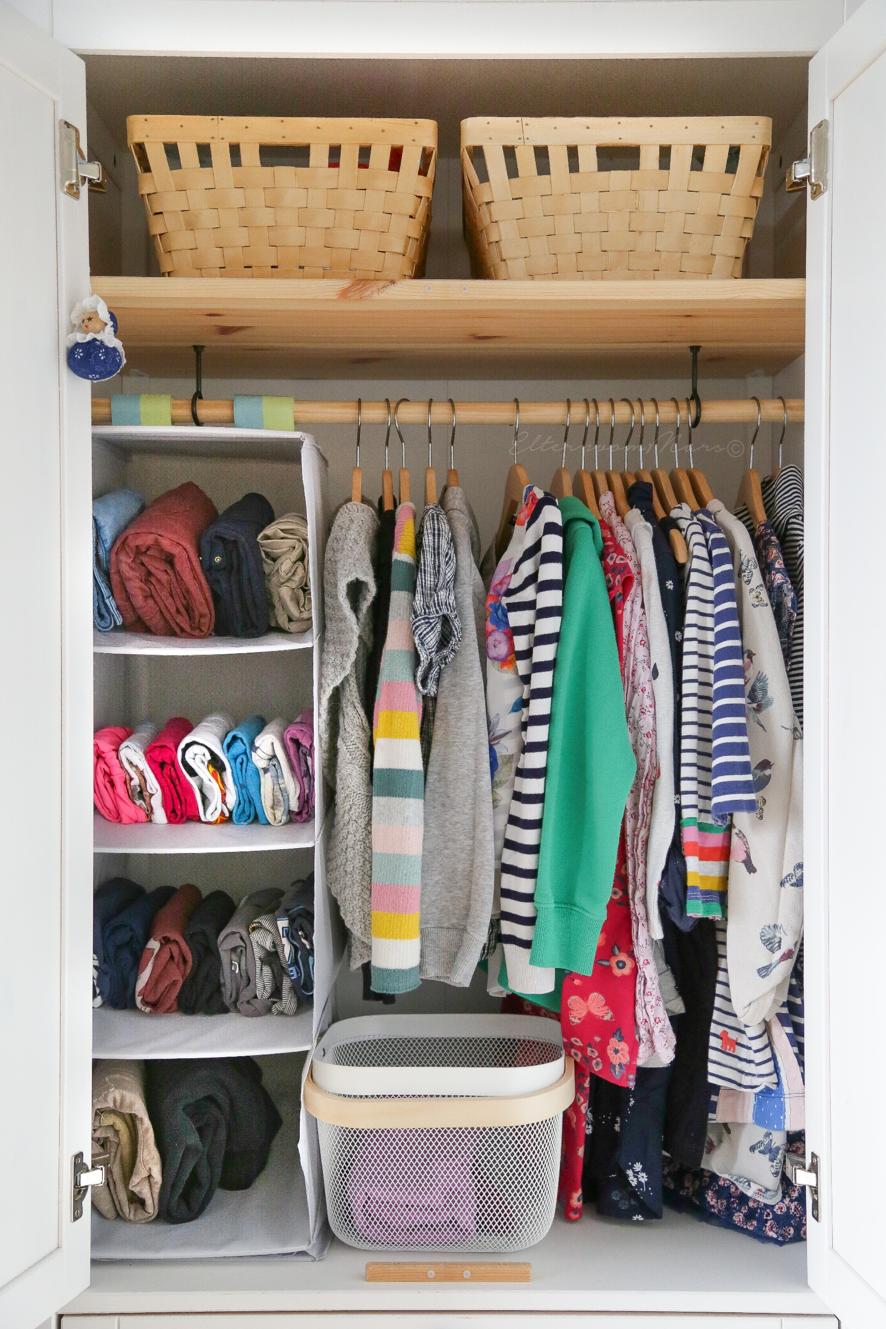 7 Einfache Kleiderschrank Ideen Fur Das Montessori Kinderzimmer