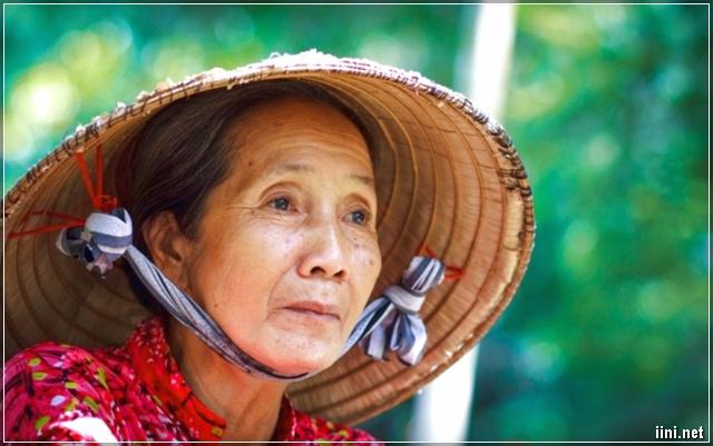 người phụ nữ Việt Nam luôn sống vì gia đình