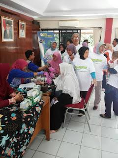 Cek Kesehatan Gratis kpd Warga Kel. Pondok Kelapa bersama GEMAHATI & SUSU HAJI SEHAT, 26 Mei 2017 Jakarta Timur