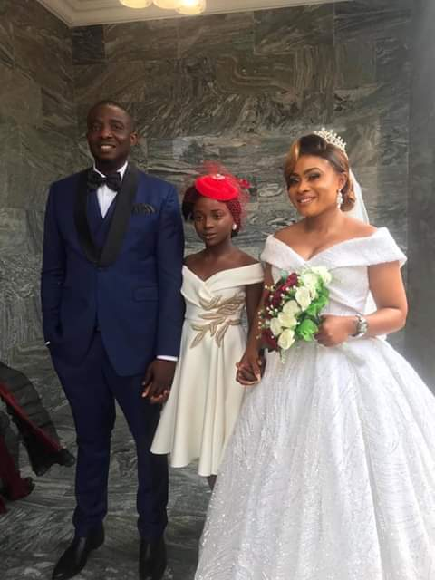 """When you feel the world is spinning against you remember my story""- Nigerian single mother writes as she weds 12 years after the birth of her daughter"