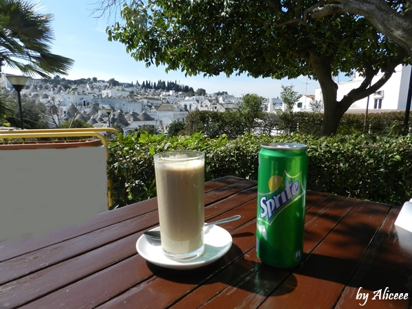 coffe-with-view-alberobello