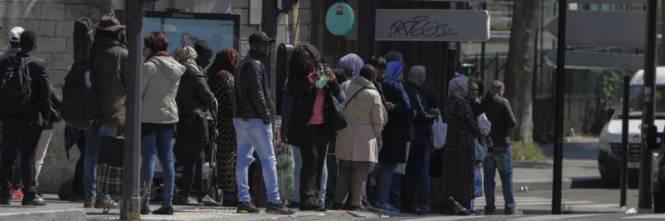 Europiečiai tampa svetimi savo namuose. Paryžietės į autobusą musulmonas neįleido dėl per trumpo sijono