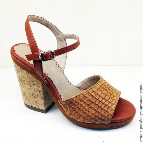 Andrea Bo colección primavera verano 2017 sandalias y zapatos.