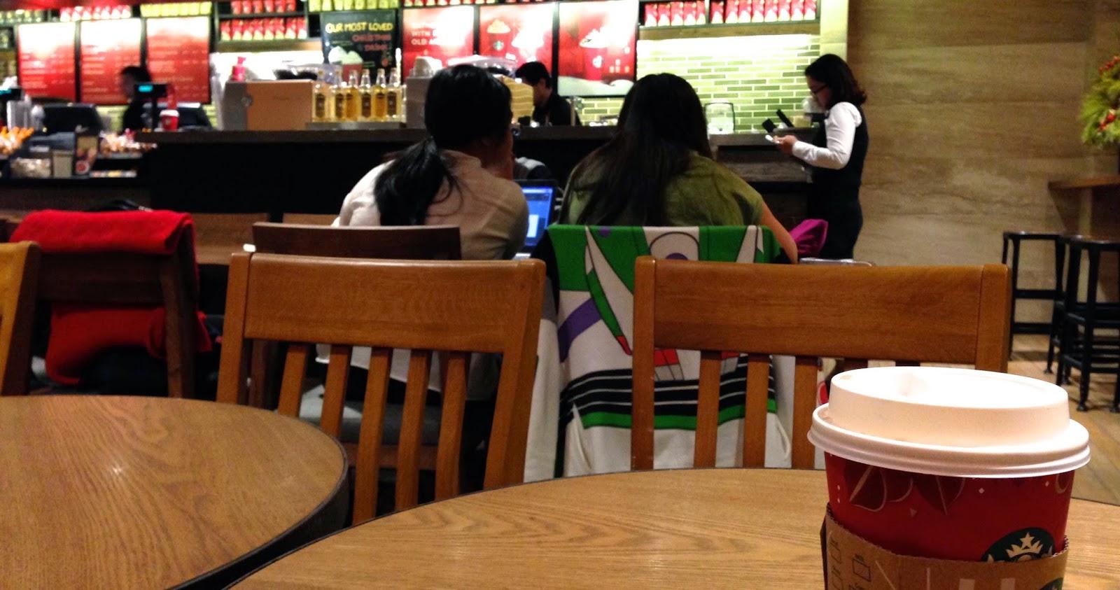 ハノイスタバの店内 with Caffe mocha