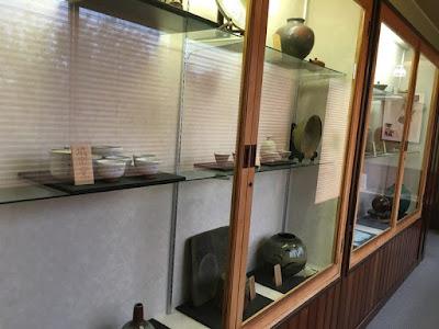 ホテルニュー桂 廊下の展示品