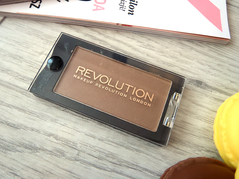 Makeup Revolution cień, bronzer smooth as
