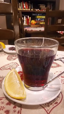 photo of tea with lemon, slika čaja s limunom