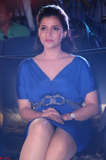 Mannara Chopra in Short Blue Dress at Rogue Movie Teaser Launch 1st March 2017 029.JPG