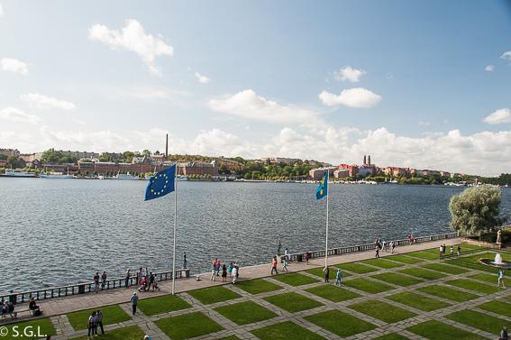 Vista lago Malaren desde el ayuntamiento de Estocolmo