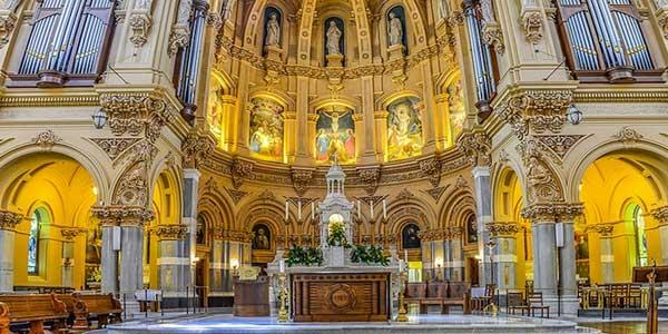 Keindahan Gereja-gereja di Dunia dengan Panorama Vertikal Karya Richard Silver