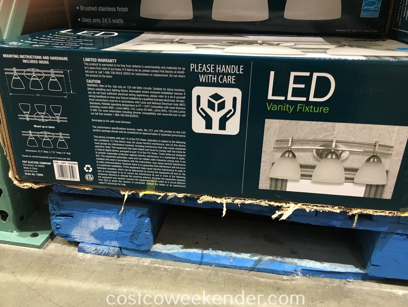 Costco 1052286 - Feit Electric LED Vanity Fixture - great for any home's bathroom