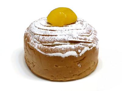 マロンクリームのブリオッシュ   箱根ベーカリー