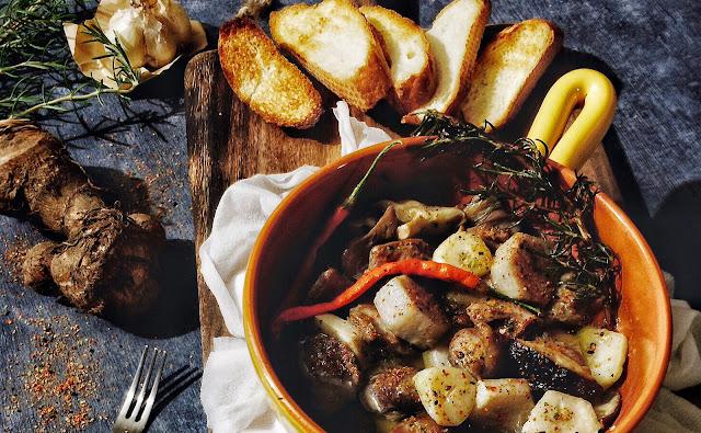 砂肝と里芋・椎茸のアヒージョ